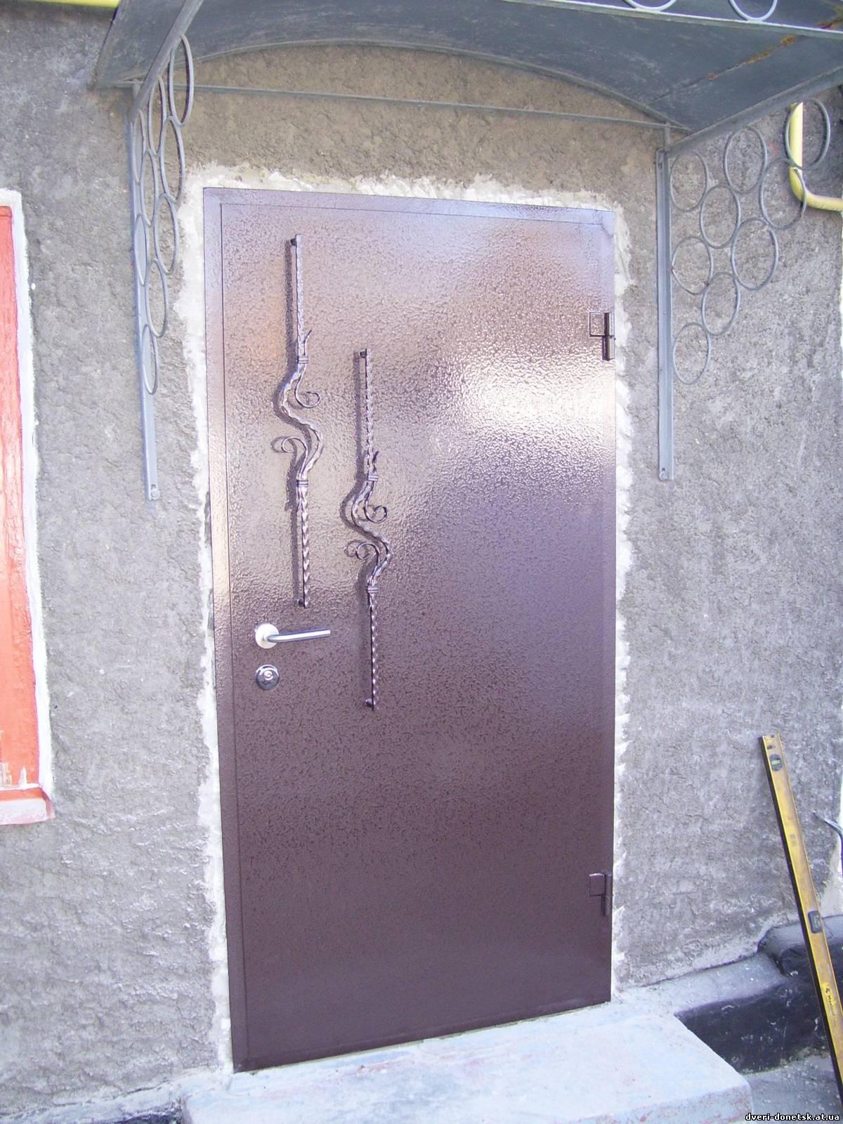 Как самому сделать входную дверь из металла